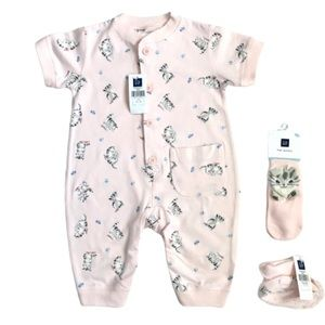 NWT Baby Gap One Piece with 2 Matching Socks